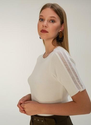 NGSTYLE Kol Detaylı Triko Bluz Ekru